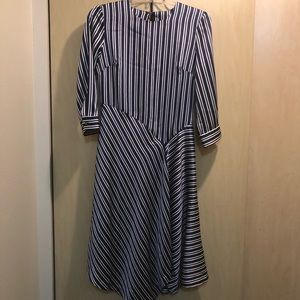 LN Banana Republic Fit and Flare Dress size 0